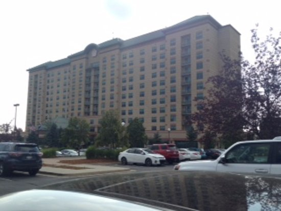 Broomfield, CO: Hotel from Parking Lot