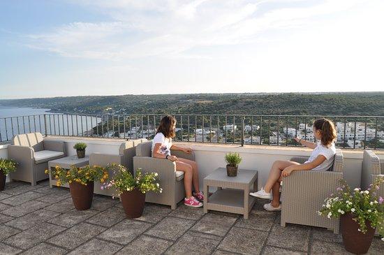terrazza attrezzata - Foto di L\'Incanto, Castro - TripAdvisor