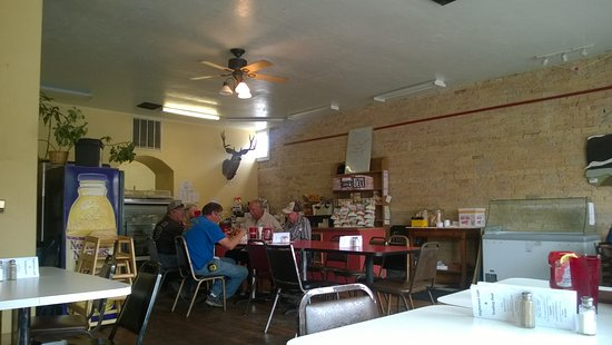Paonia, CO: Cozy interior, but get rid of the flies!