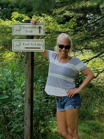 Forestburgh, NY: Hiking on their grounds