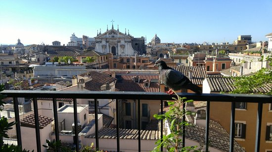 Colonna Palace Hotel: Rooftop breakfast view