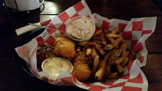 Etters, PA: Crsipy Fish and chips
