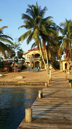 Paradise experience at the Beach house of the Parrot Cove Lodge