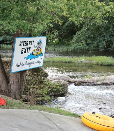 Townsend, TN: Exit ramp, river and tube style pictured.