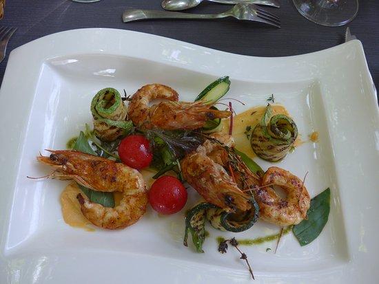 Pezilla-la-Riviere, Francia: gambas et courgettes grillées crème de homard