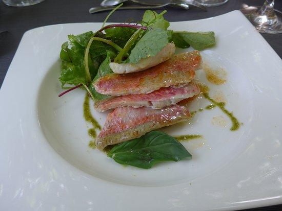 Pezilla-la-Riviere, Francia: Filets de Rouget Marinés au Citron, Tomate, Sablé Parmesan