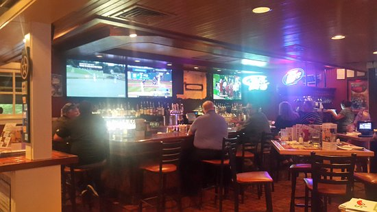 Chili's Grill & Bar: View of the bar