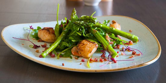 Dolphinholme, UK: Seared scallops