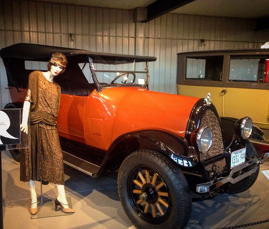Norwich, NY: Classic Cars with the Fashions of the Time
