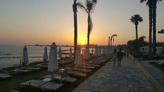 Alexander The Great Beach Hotel: 20160628_195613_large.jpg