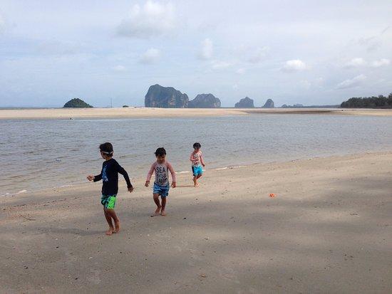Sikao, Thailand: gorgeous beach area
