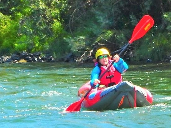 Merlin, OR: White water kayaking with ROW
