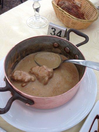 Dourgne, Frankrike: Ris de veau.