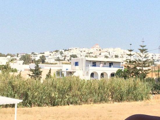 Logaras, Griekenland: Vista dalla camera. Balcone della seconda camera letto. Finestra prima camera letto con angolo c