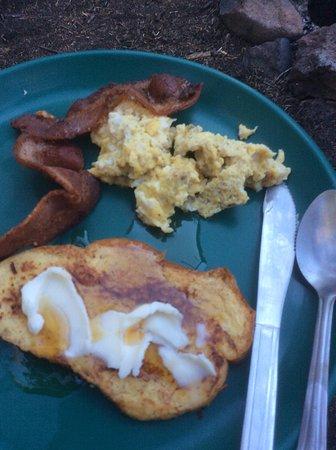 Dubois, WY: breakfast on the trail!