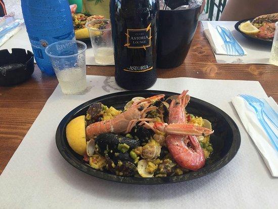 "Bonelli, İtalya: ""Paella.."""