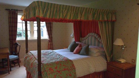 Taychreggan Hotel: Nice sleep and soak, lovely drink and beautiful view,,