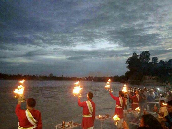 Ganga Aarti at Triveni Ghat : IMG-20160819-WA0005_large.jpg