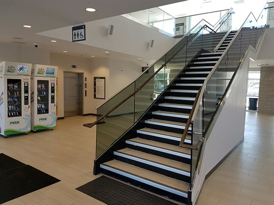 Simcoe, Canada: Elevator / lift or stairs to second floor, Norfolk County Tourism