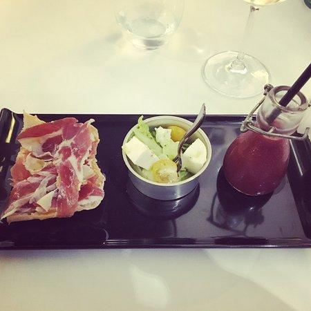 Restaurant Pelai : El Restaurante muy acogedor, la comida y el servicio muy bueno. Aunque el tiempo entre plato y p