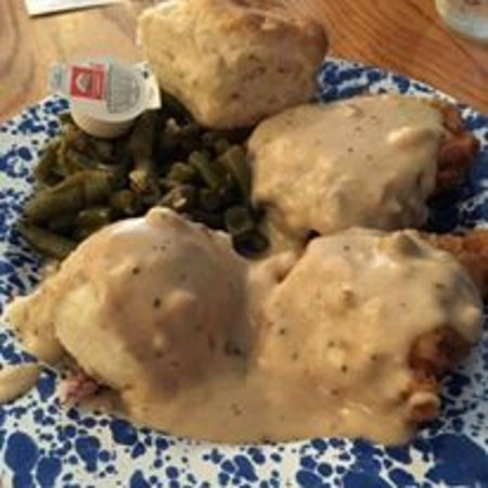 Carthage, MO: Chicken Fried Chicken with REAL potatoes and REAL gravy