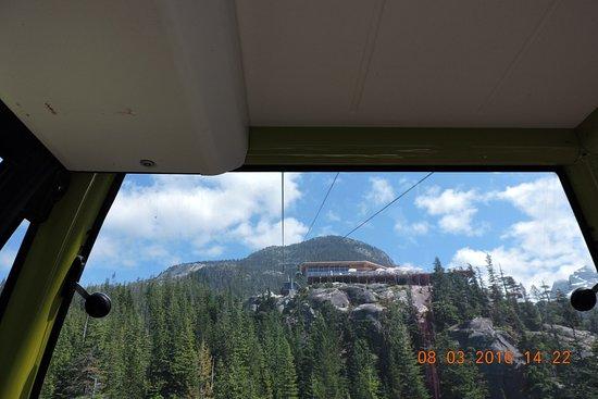 加拿大斯阔米什: 坐cable car 下山了