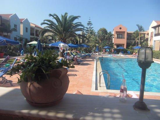 Hotel Blue Sea Apartments: Utsikt från poolbaren