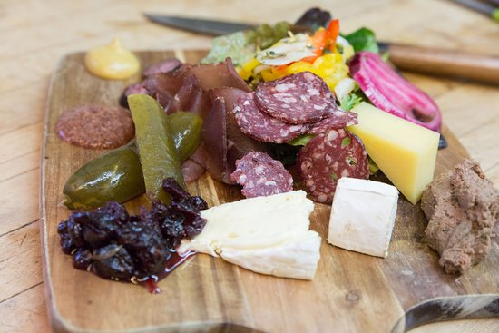 The Bavarian Inn Restaurant: Alpine Teller