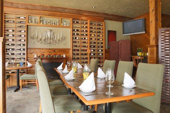 The Bavarian Inn Restaurant: Wine Room
