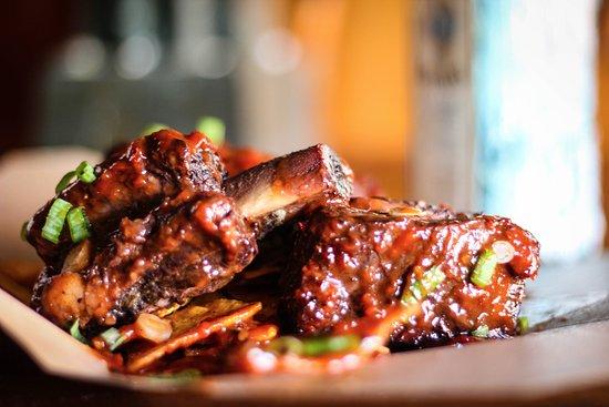 โดรกเฮดา, ไอร์แลนด์: Beef Short Ribs! Braised for 3 hours in their own stock, then braised in a Jim Beam bbq sauce.