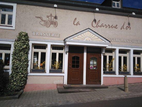 Peppange, Luxembourg : La Cuisine est indispensable ...