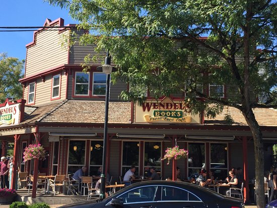 Wendel's Bookstore & Cafe: photo0.jpg