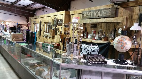 ‪Jonesy's Antique's & Collectibles‬
