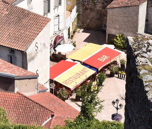 Foix, Francia: Sur une place, et à proximité du Château.