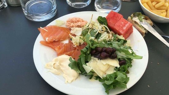 Valbonne, Francia: Buffet midi