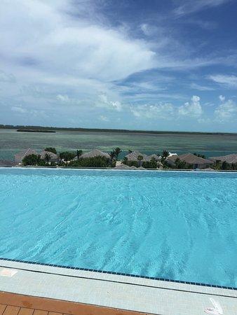 Bimini: rooftop pool