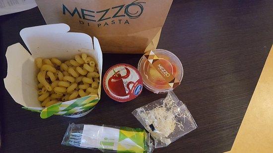 Mezzo di pasta besan on restaurant avis num ro de t l phone photos tripadvisor - Centre commercial chateaufarine ...