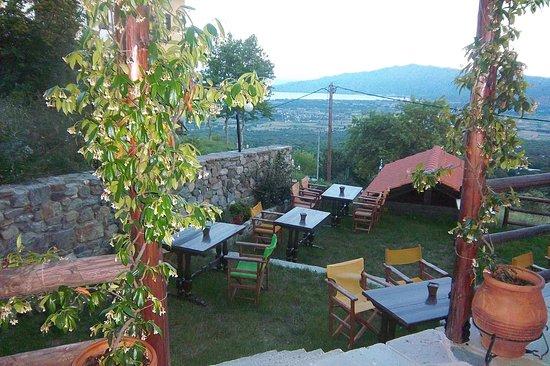 Ano Poroia, Grecia: Στο βάθος φαίνεται η λίμνη Κερκίνη!!!