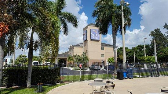 Miami Springs, FL: 20160818_110617_large.jpg