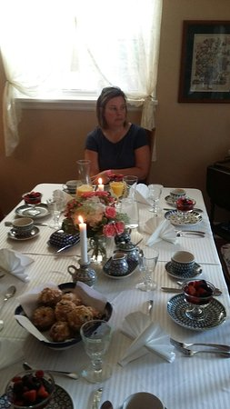 Ashgrove Cottage Bed and Breakfast: 20160819_080545_large.jpg