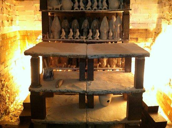 Oxford, بنسيلفانيا: Salt-glazed Stoneware Kiln