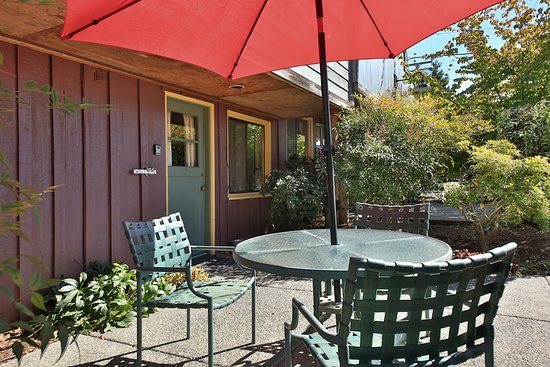 Langley, WA: Garden patio