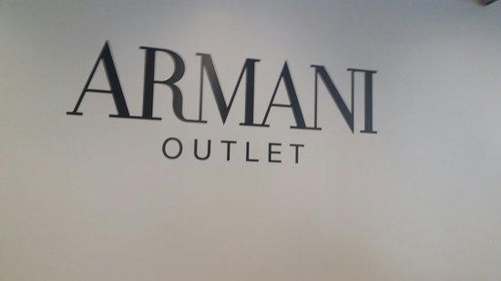 Armani Outlet: 20160819_154255_large.jpg