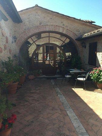 Monteroni d'Arbia, อิตาลี: IMG-20160727-WA0097_large.jpg