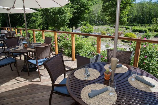 Mount Tremper, NY: Woodnotes Grille Back Deck