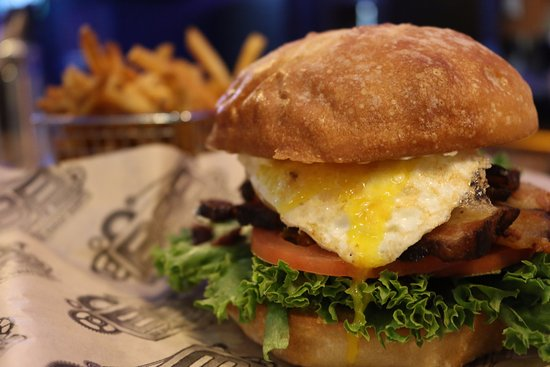 Auburn, WA: BLT with egg at BSB & Raw Bar