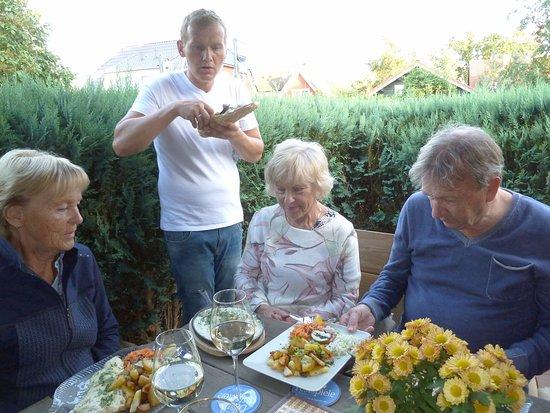 Wieck, Duitsland: Der Chef serviert...