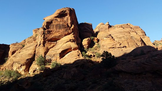 St. George, UT: Red cliffs