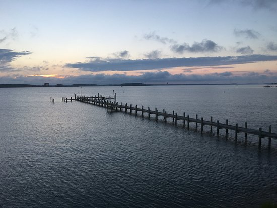 Piney Point, MD: This is the sunset view from the deck off our room Beautiful!