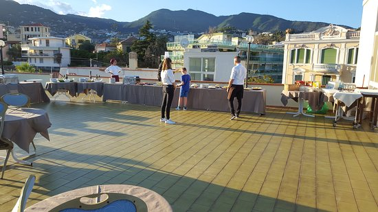 Serata con cena in terrazza - Picture of Nyala Suite Hotel San Remo ...